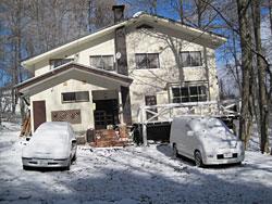 菅平高原の初雪、雪をかぶるジョバンニ